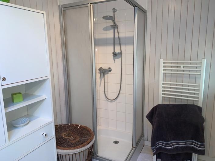 Salle de bain du gite, la douche